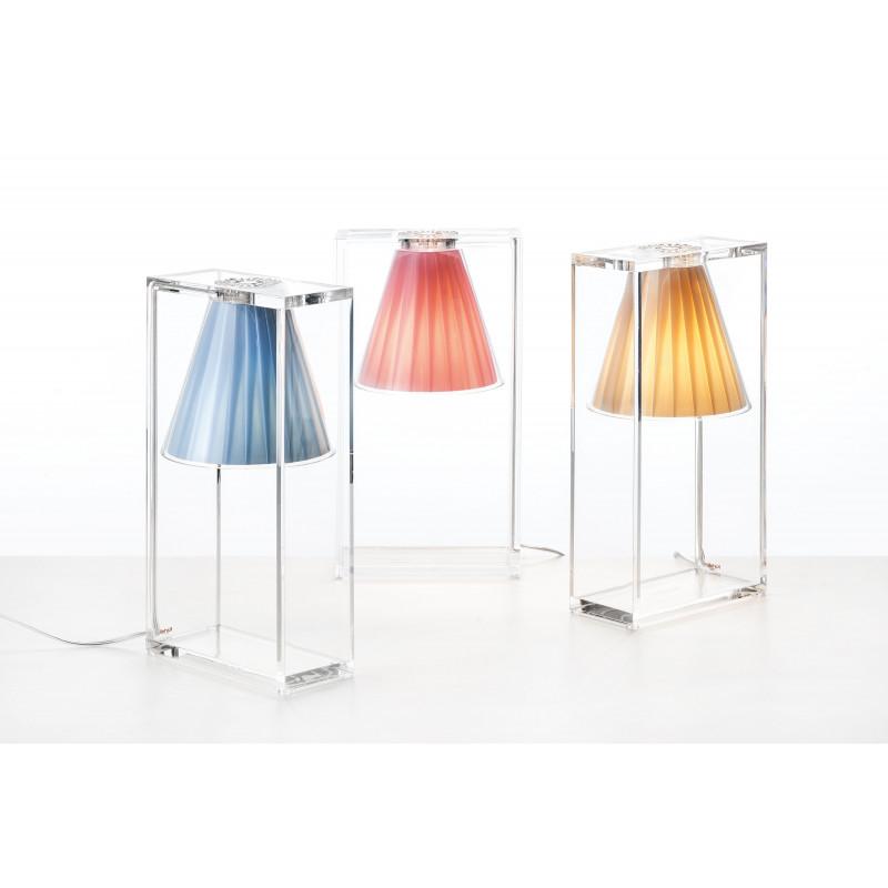 Lampe light air tissu 3 coloris kartell comptoir for Lustre kartell