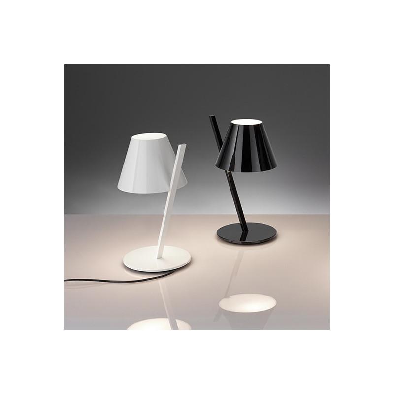 lampe poser led la petite 2 coloris artemide. Black Bedroom Furniture Sets. Home Design Ideas
